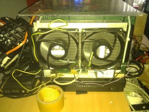 Natürlich auch wieder dabei die beiden großen 230V Serverlüfter.