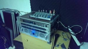 Flightcase, LiquidPower 2x600W Endstufe, Behringer Ultrafex2, Behringer Denoiser und Behriger multieffektgerät (Digital)