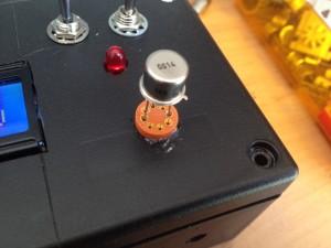 Hier sieht man den Sockel zur einfachen Messung von Transistoren